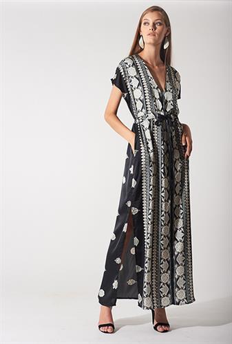 שמלת קמילה שחורה