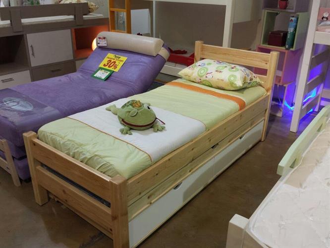 מבצע !!!  מיטה ילדים קומפלט 80/190 + מיטת חבר + מזרנים + מגן טף