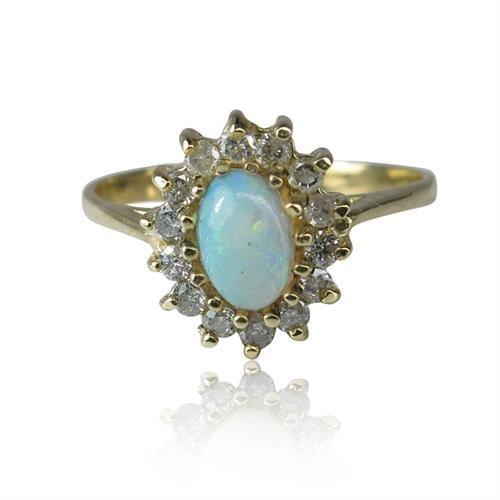 """טבעת זהב 14 קרט """"דיאנה"""" משובצת אבן חן אופל טבעית ויהלומים  0.18 קראט"""