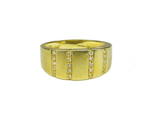 טבעת זהב 14K משובצת יהלומים 0.30 קראט