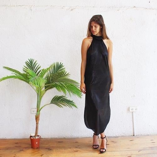 שמלת קרלה שחור לורקס