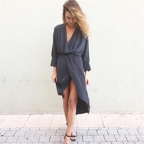 שמלת ולריה אפורה