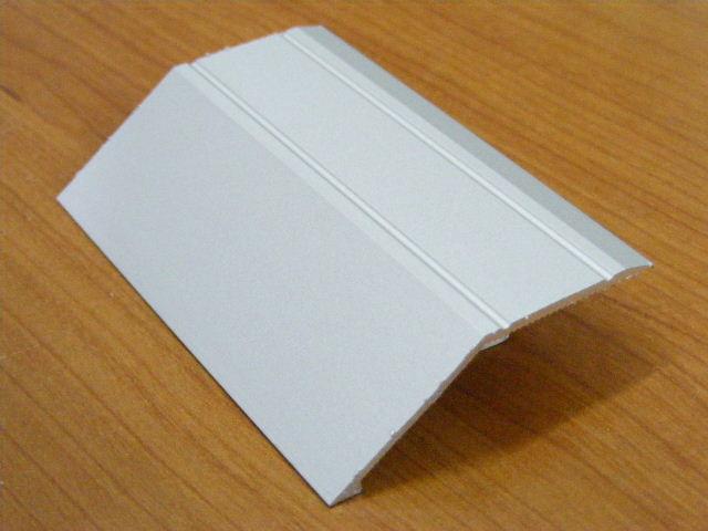 סף שיפועון לפרקט תלת שכבתי- 3 מ' אורך