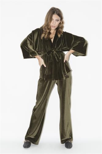 חליפת קימונו ירוק