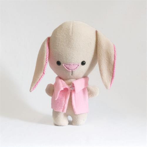 בובת ארנב, מיכל לובשת מעיל