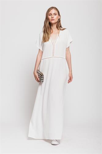 שמלת ריזורט לבן