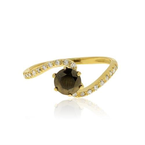 טבעת עם יהלום שחור ויהלומים לבנים בזהב 14 קראט