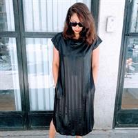 שמלת מאונטן שחור