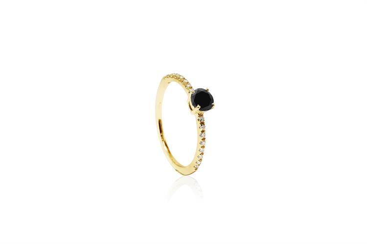 טבעת זהב יהלומים 0.15 קראט ויהלום שחור
