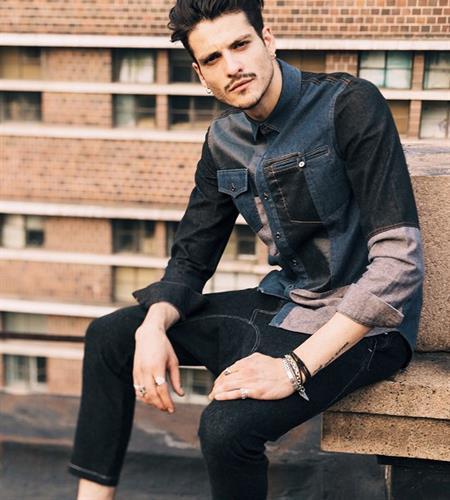 חולצת ג'ינס משולבת דגם אוקספורד (צבע משולב)