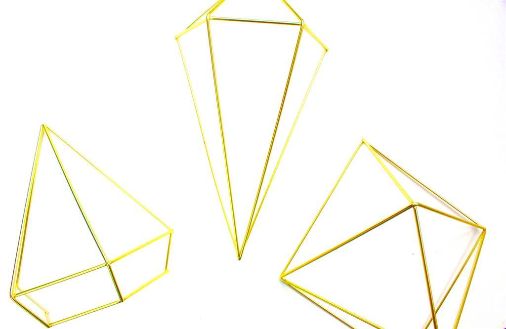 מתלה קיר גיאומטרי