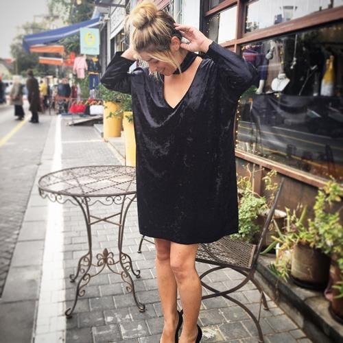 שמלת קטיפה אריאנה שחורה