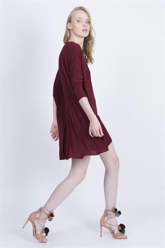 שמלת קיילי בורדו
