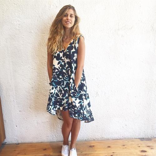 שמלת פרחונית כחול לבן