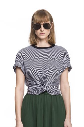 STRIPE FRONT KNOT TEE
