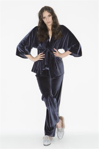 חליפת קימונו ולווט כחול