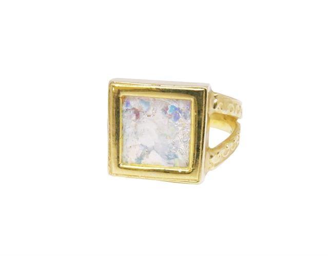 טבעת זהב 14K משובצת זכוכית רומית
